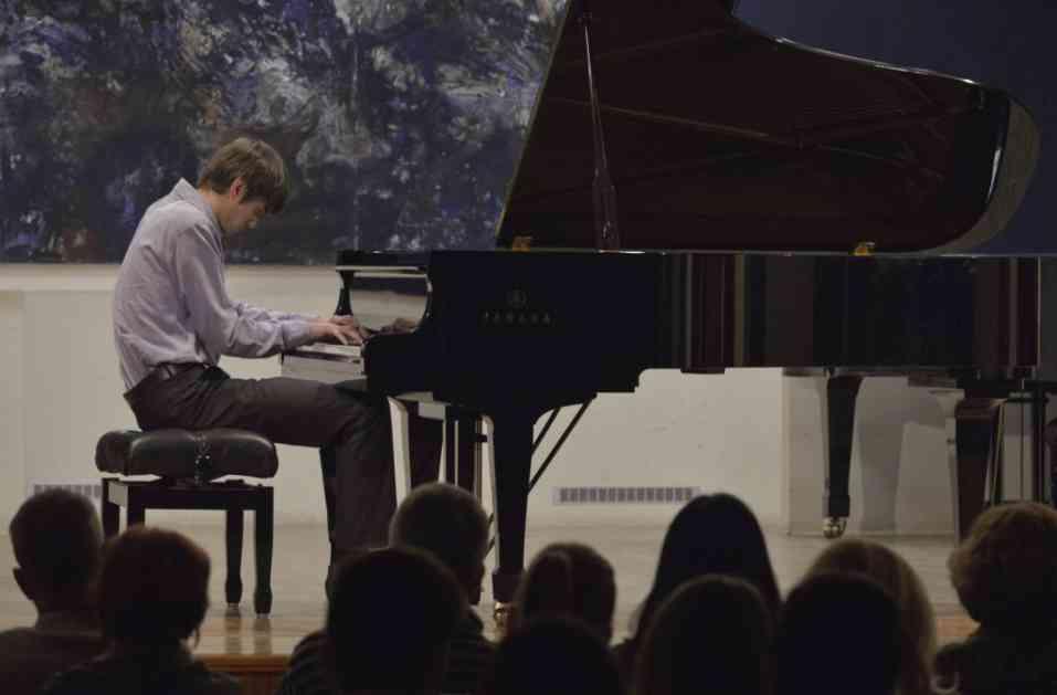 Veliki uspeh mladog pijaniste Aleksandra Raosa na takmičenju u Hrvatskoj