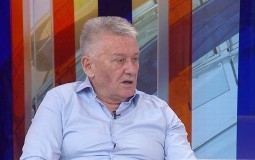 Velimir Ilić: Šta će Vučić u Parizu na pregovorima