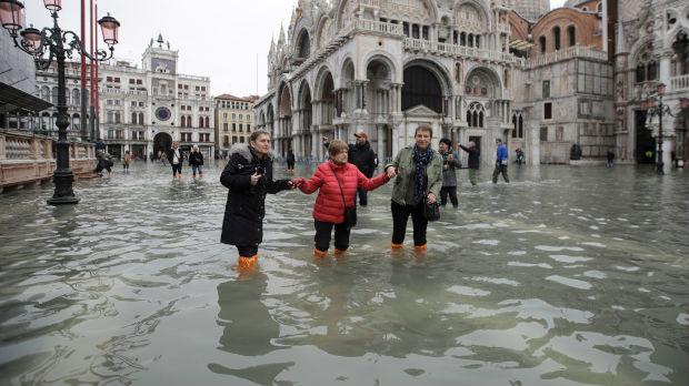 Venecija pod vodom, šteta od nekoliko stotina miliona evra