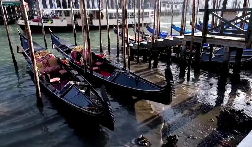 Venecija u blatu, vode niotkuda (VIDEO)