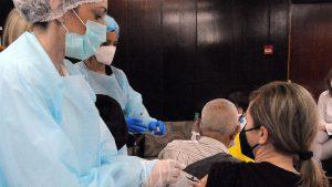 Vesić: Beograd će efikasno organizovati davanje treće doze vakcine protiv korone