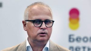 Vesić podnosi krivičnu prijavu protiv vladike Grigorija zbog 'podstrekavanja na ubistvo'