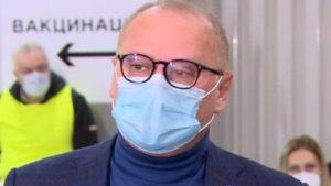 Vesić primio vakcinu i pozvao građane da se prijave