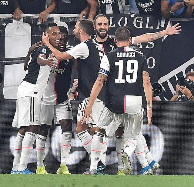 Vezisti Juventusa priznanje Lige šampiona (video)