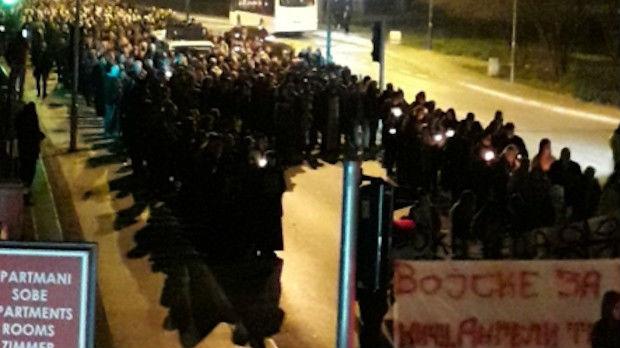 Više hiljada građana na litiji u Budvi