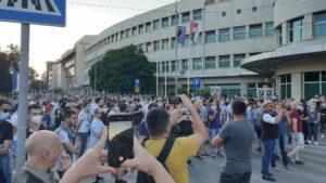 Više hiljada ljudi na protestu u Nišu