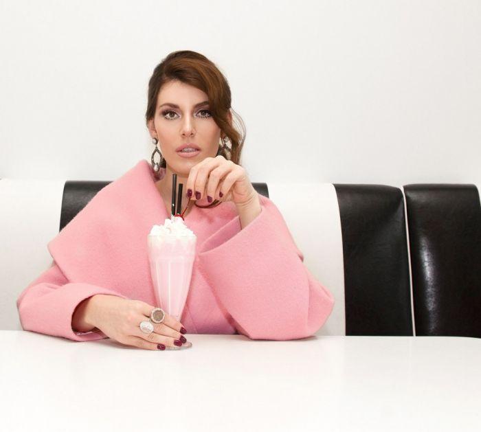 Više nije tajna: Evo kakav odnos sa svekrvom ima Tamara Dragičević (foto)