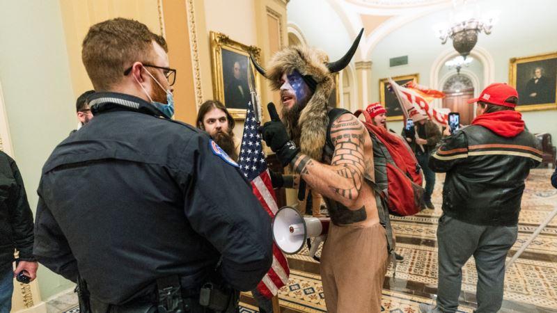 Više od deset ekstremističkih grupa učestvovalo u neredima na Kapitolu