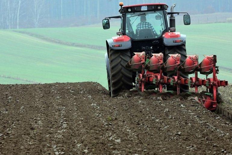 Više od milijardu evra pomoći poljoprivrednicima u Francuskoj