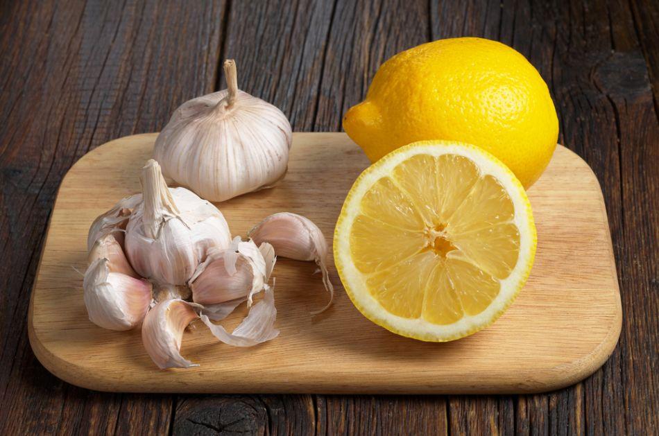 Višestruko koristan manastirski napitak od limuna i belog luka