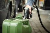Vlada SAD moli građane da ne sipaju benzin u kese