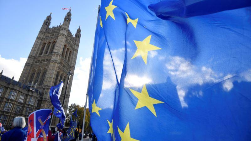 Vlada upozorava na rizik od haosa i panike