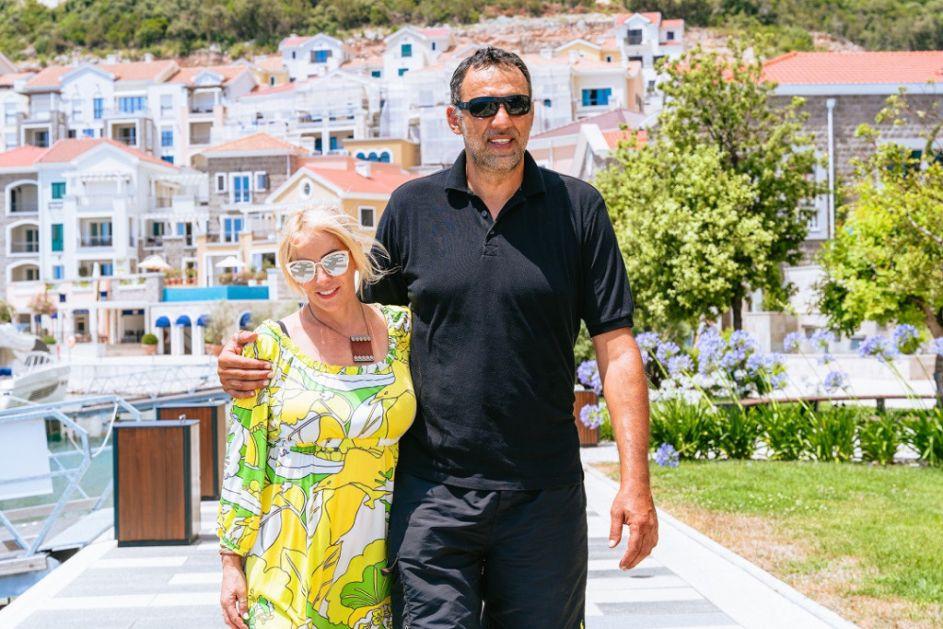 Vlade i Ana Divac čitavo leto provode u Crnoj Gori: Nećete verovati koja folk zvezda im pravi društvo (FOTO)