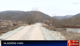 Vladičin Han: Ni rampe ni znakova, a vozovi prolaze  VIDEO