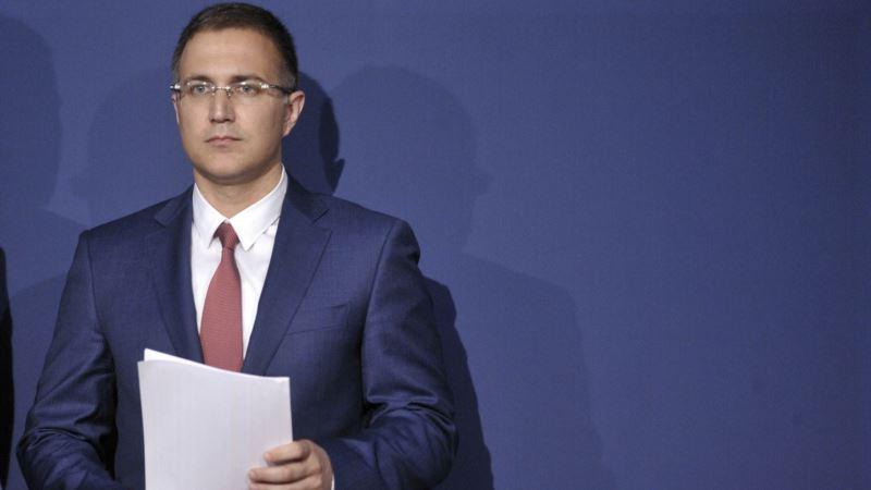 Vlast odbija proveru diplome šefa policije Srbije