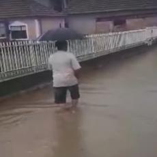 Voda do kolena, pa i više od toga: Jug Srbije pogodilo SILNO NEVREME! Pogledajte razmere potopa! (VIDEO)