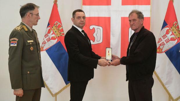 Vojne spomenice članovima palih boraca sa teritorije Crne Gore