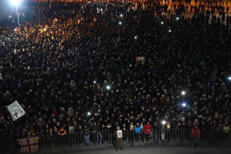 Vojnicima u Crnoj Gori zabranjuju učešće u litijama?