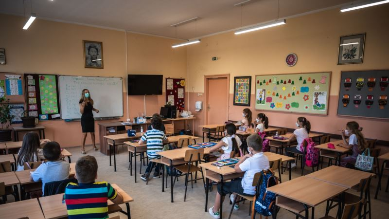 Vojvodić: Apsurdno saslušavanje direktora 300 beogradskih škola