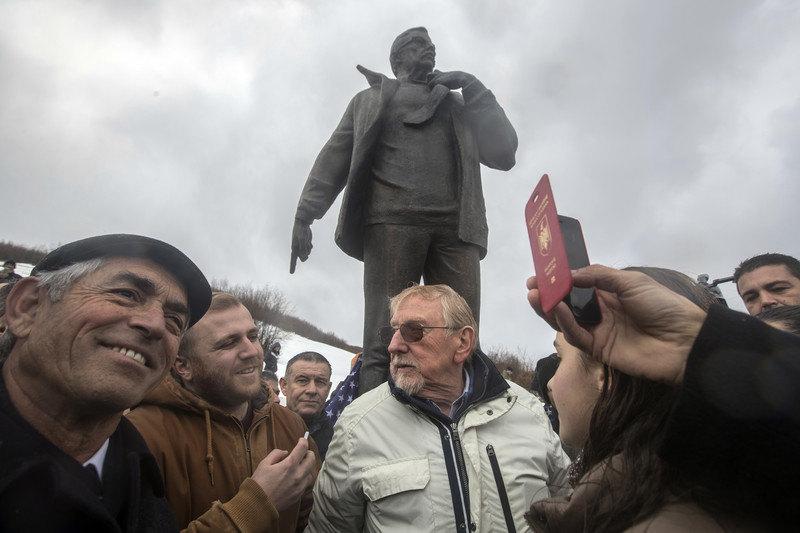 Voker zbunjen neformiranjem vlade u Prištini, Tači poručuje Kurtiju da vreme ističe