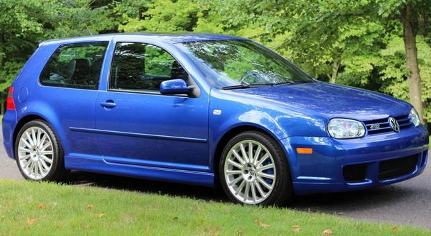 Volkswagen Golf R32 iz 2003. godine prodat za 62.000 dolara