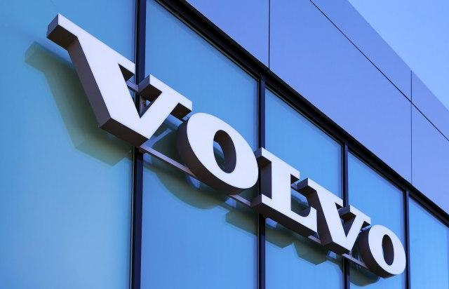Volvo: Pale porudžbine kamiona i biće još gore