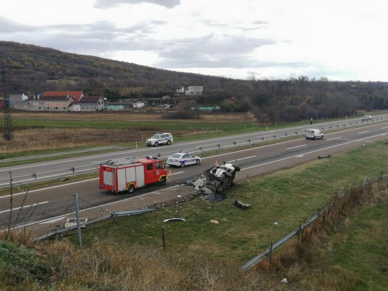Vozač kamiona iz udesa na auto-putu u kome su poginule 3 osobe će se braniti sa slobode