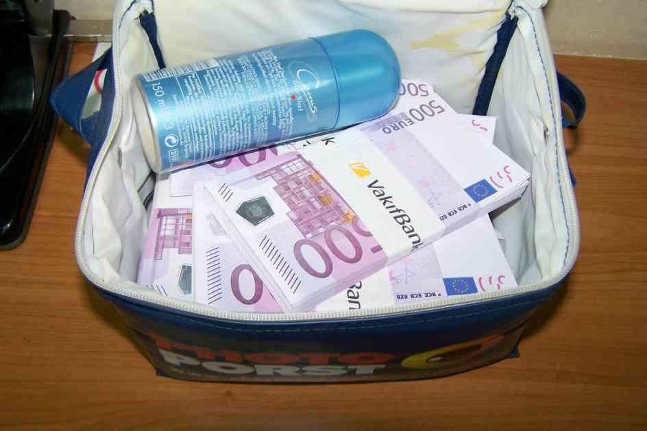 Vozač u neseseru krio 360.000 evra