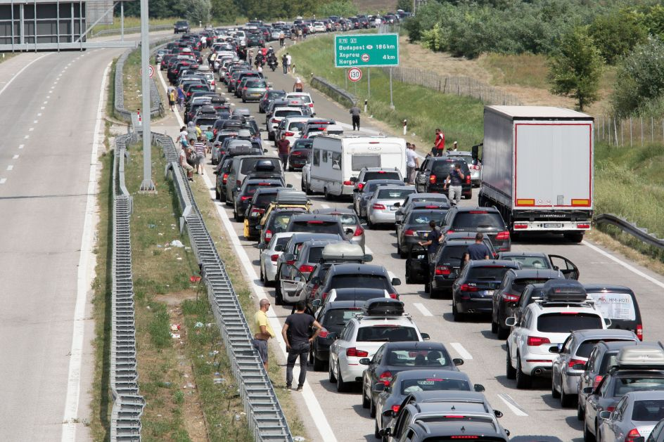 Vozači, popodne vas očekuje haos na putevima