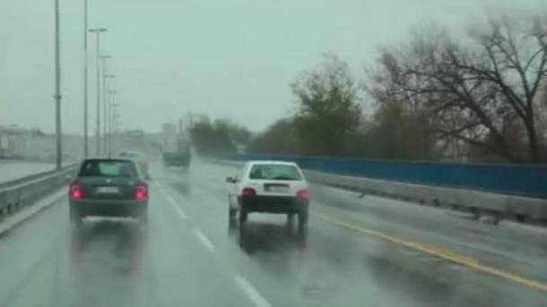Vozite oprezno, putevi su mokri