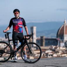 Vožnjom bicikla do dečijeg obrazovanja - Srce Italijana Volfanga kuca za decu iz Srbije
