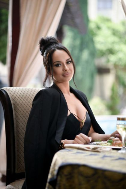 Zvezda Granda izrasla u bombu! Vrele scene Tijane Milentijević u filmskom spotu!