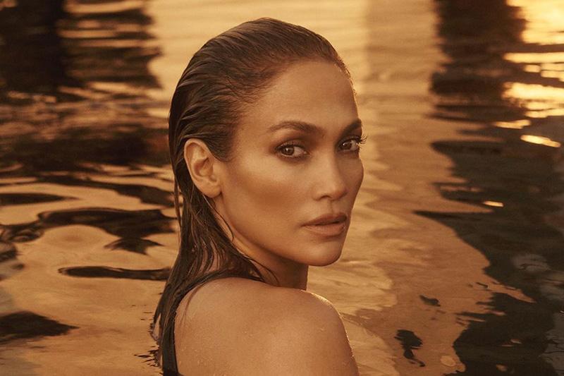 Vrelo izdanje Jennifer Lopez: Pozira skroz naga