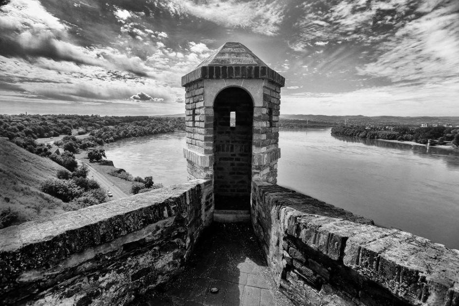 Vremeplov: Postavljen kamen temeljac Petrovaradinske tvrđave