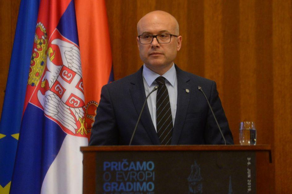 Zbog pretnji Vučićevoj deci zvaničnici optužuju opoziciju