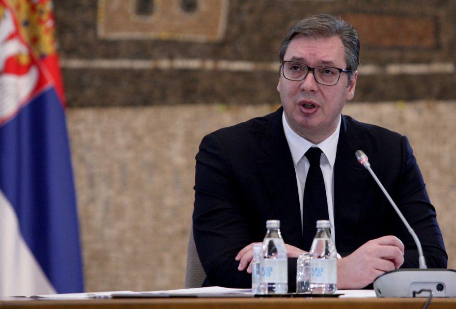 Vučić: Do 13 sati 13.000 vakcinisanih, sutra idemo na 30.000