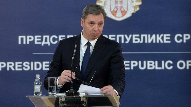 Vučić: Odluka o doktoratu Malog duboko politička