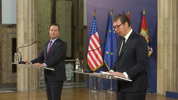 Vučić Grenelu: Ne prihvatam znak jednakosti između povlačenja priznanja i prištinskih taksa