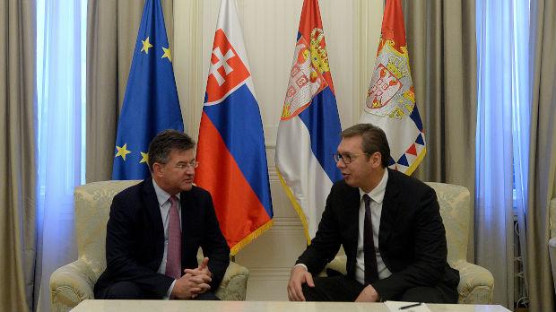 Vučić: Koji je to otrov koji deluje na nacionalnoj osnovi