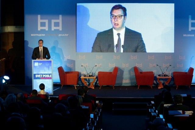 Vučić: Kriza pokazala licemerje priče o slobodnom tržištu