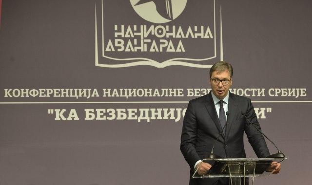 Vučić: Navijači PSŽ se nisu čuli, pa su motkama iskalili bes