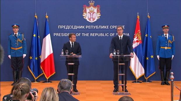 Vučić: Nikada nisam imao ovako otvoren i iskren razgovor; Makron: Podrška postizanju sporazuma sa Prištinom