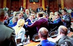 Vučić: Obradović svojim performansima odmogao Srbima u Crnoj Gori