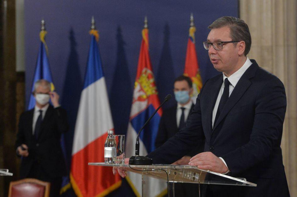Vučić čestitao Dan vojnih veterana; Stefanović položio venac na Spomenik neznanom junaku