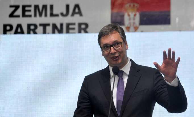Vučić čestitao Đukanoviću