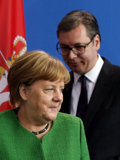 Predsednik razgovarao sa Merkel putem video linka