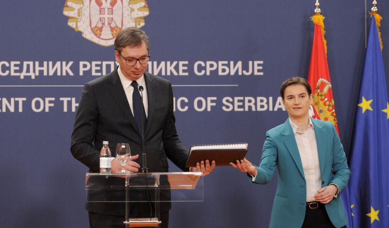 Vučić: Koronavirus u ovom trenutku u Srbiji ne postoji, nema mesta panici