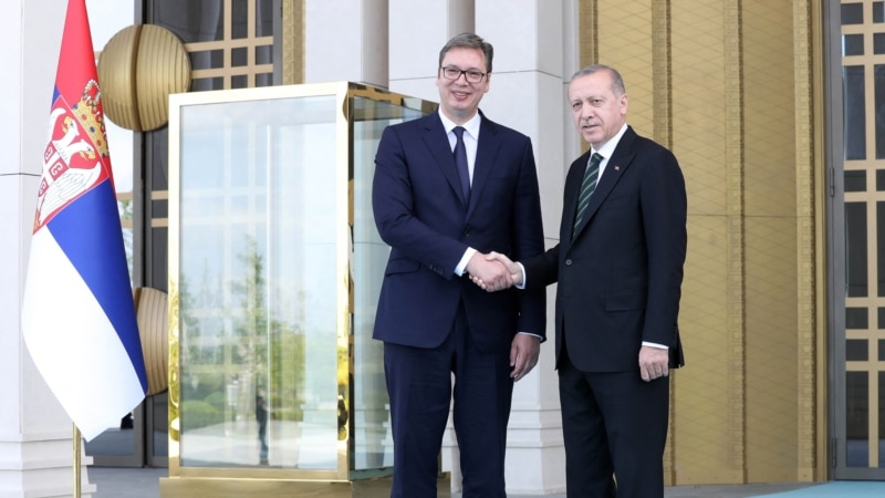 Vučić i Erdogan telefonski razgovarali o Kosovu