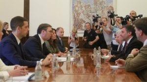 Vučić i Palmer u telefonskom razgovoru o Kosovu