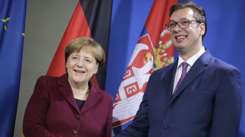 Vučić na sastanku sa Merkel u januaru